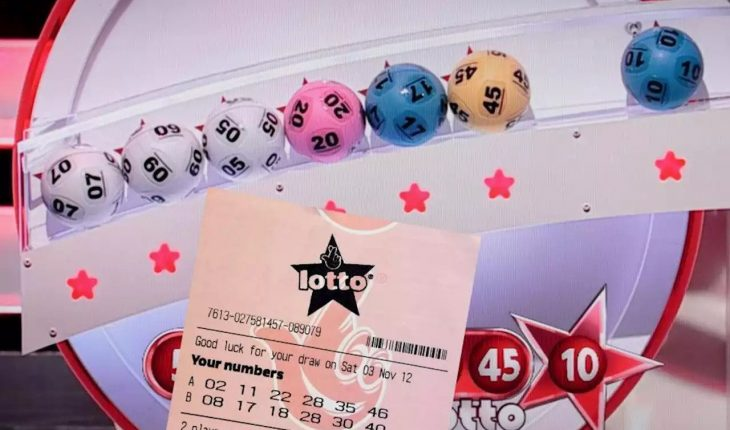 lottery players work